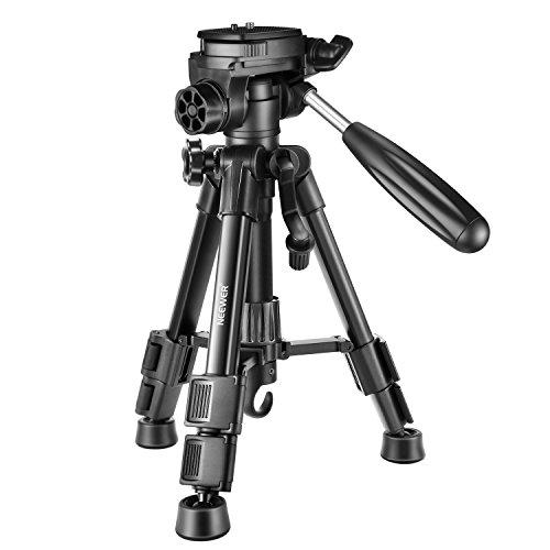 Neewer Mini Reise Tischplatte Kamera Stativ 62cm Leichtes und tragbares Aluminium mit 3-Wege Drehgelenk Pan Kopf für DSLR Kamera Tragkraft bis zu 3 Kilogramm T210 Schwarz