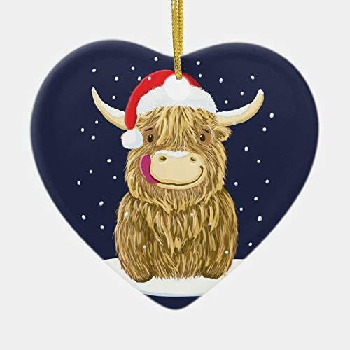 Ornamentos colgantes de cerámica con forma de corazón, diseño de vaca escocés en la nieve de la Tierra Alta, adorno de cerámica creativo y divertido como decoración de árbol de Navidad y regalo