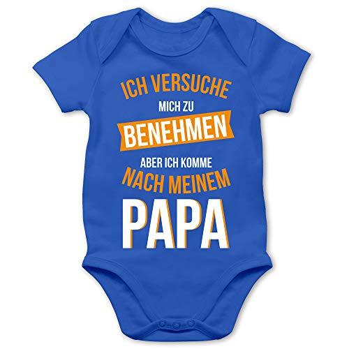 Shirtracer Sprüche Baby - Ich versuche Mich zu benehmen Papa orange - 6/12 Monate - Royalblau - Baby Kleidung Spruch Papa - BZ10 - Baby Body Kurzarm für Jungen und Mädchen