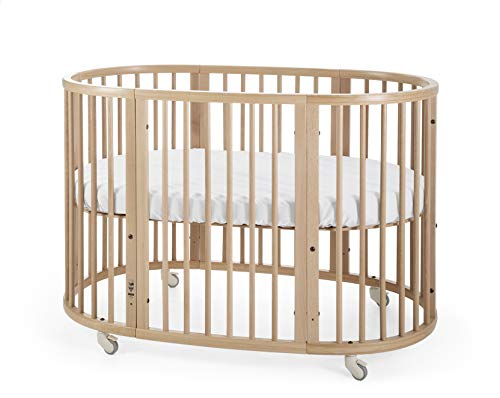 STOKKE® Sleepi™ Kinderbett – Mitwachsendes Bett für Kinder aus massivem Holz – Gitterbett in ovaler Form zum Wohlfühlen – Inkl. Matratze – Farbe: Natural
