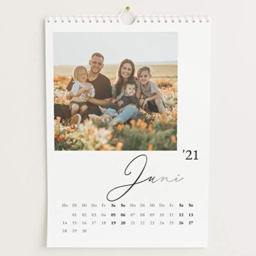 sendmoments Fotokalender 2021 mit Relieflack, Unser Jahr, Wandkalender mit persönlichen Bildern, Kalender für Digitale Fotos, Spiralbindung, DIN A4 Hochformat
