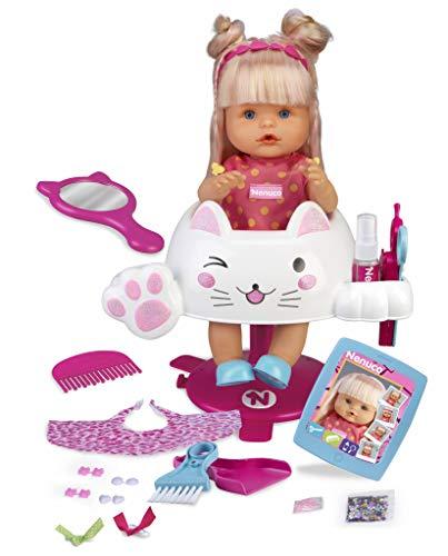Nenuco Purpurina pop kamt en snijdt het haar (Famosa 700015153)