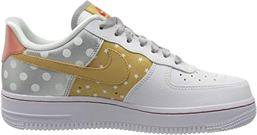 Nike Damen WMNS Air Force 1 '07 Basketballschuh, White/metallic Silver-metallic Gold, 39 EU