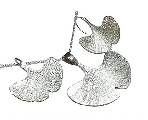 Parure,pendente e orecchini Ginkgo in argento, inciso a mano.