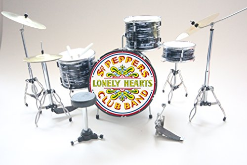 RGM366 Ring Starr Sgt Pepper Beatles Miniature Drum Kit