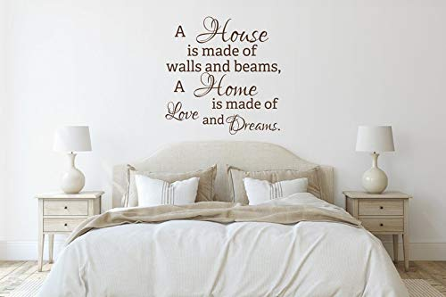 Sticker mural avec citation « A House is Made of Walls and Beams A Home is Made of Love and Dreams »