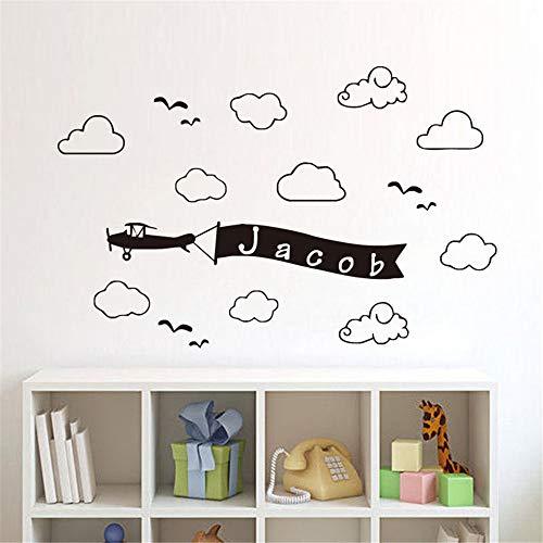 Muurstickers Citaten en Zeggen Gepersonaliseerde Naam voor Kids Kamer Wolken en Luchtvliegtuig met Vlag Woonkamer Kwekerij 25.2x16.8 inches