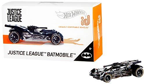Hot Wheels iD FXB24 - Die-Cast Fahrzeug 1:64 Justice League Batmobil mit NFC-Chip zum Scannen in der Hot Wheels iD App, Auto Spielzeug ab 8 Jahren
