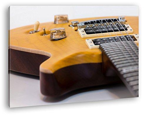 Primer plano de una guitarra como Lienzo, diseño enmarcado en marco de madera, impresión digital de alta calidad con marco, no es un póster o cartel, lona, 80x60