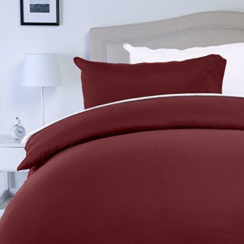 AmazonBasics - Juego de fundas de edredón y de almohada de microfibra, 200 x 200 cm + 2 fundas 50 x 80 cm - Burdeos