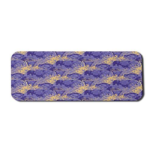 Violettes Computer-Mauspad, grafisch skizzierte Löwenlöwinnen zwischen Grunge-Gras und Büschen, rechteckiges, rutschfestes Gummi-Mousepad mit großem Lavendel-Blau-Senf