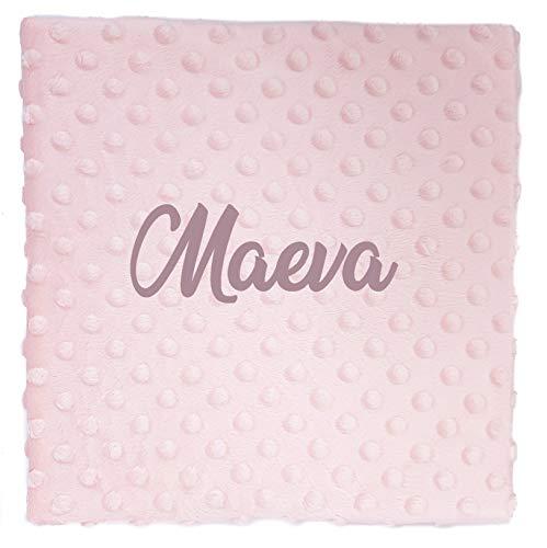 Manta bebe personalizada con nombre bordado. Medidas 80x110 cm. Tacto terciopelo (Rosa)