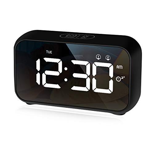 CHEREEKI Reloj Despertador Digital, Despertador con Temporizador de Siesta, Reloj Digital Sobremesa Dormitar con Dual Alarms, USB Rechargeable, 3 Brightness, 8 Volume Adjustable, 12/24H (Negro)