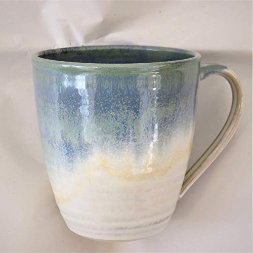 Tasse, Mega-Tasse beige-blau, handgetöpfert, Höhe ca. 11 cm, Inhalt ca. 0,5 l Steinzeug