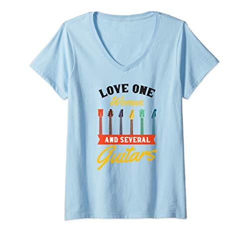 Mujer Guitarra graciosa, amor, una mujer, regalo de música clásica Camiseta Cuello V