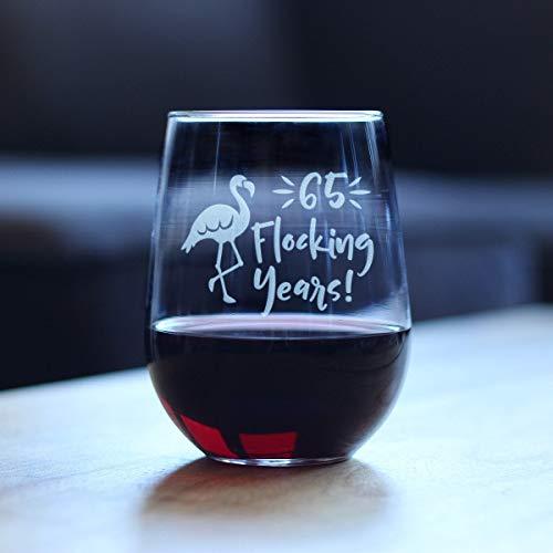 Copa de vino sin tallo de 17 onzas, regalo de cumpleaños – sesenta y cinco años – lindo regalo de 65 cumpleaños de flamenco, regalo divertido para mejor amigo, familia