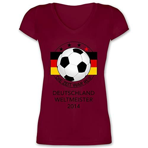 Fussball EM 2021 Fanartikel - Deutschland Weltmeister 2014 - Die Zeit war reif - 3XL - Bordeauxrot - 32 - XO1525 - Damen T-Shirt mit V-Ausschnitt