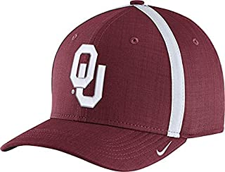 outlet store e5ad4 8aea9 Nike Men s Oklahoma Sooners Crimson AeroBill Football Sideline Coaches Classic99  Hat (OneSize)