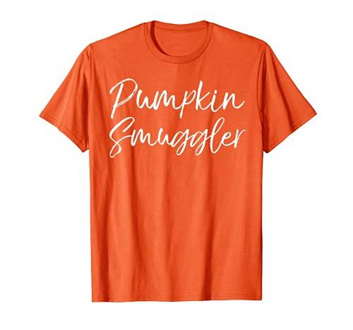 Cotizacin linda del embarazo de Halloween para las mujeres contrabandistas de calabaza Camiseta
