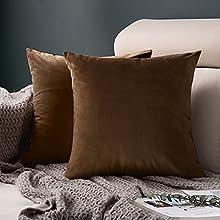 FORTRY Juego de 2 fundas de cojín de terciopelo suave y sólido, 40 x 40 cm, decorativas cuadradas, para sofá, dormitorio, color chocolate, naranja claro, marrón
