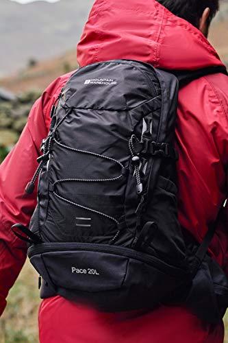 Mountain Warehouse Pace Mochila 20 L - Compatible con hidratación, Espalda con Sistema de ventilación, Cubierta para la Lluvia Plegable - para Viajar, Caminar, Acampar Negro Talla única