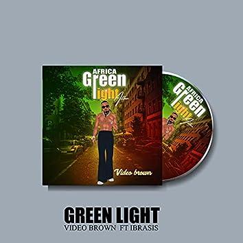 Green Light (feat. Ibrasis)