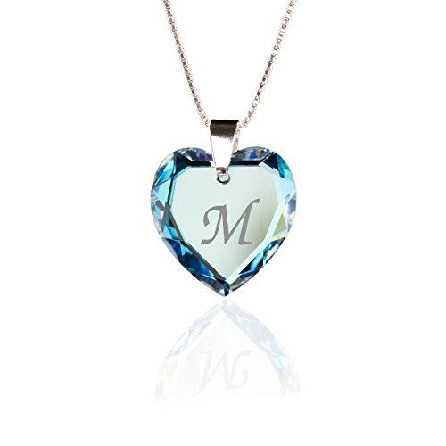 Collana in argento 925, con ciondolo a forma di cuorecontenente elementi di cristalli Swarovski e una lettera alfabetica incisa. Colore: azzurro. Personalizzabile e argento, colore: Buchstabe