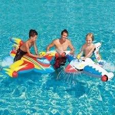 aufblasbarer Wasserreiter Wasserflugzeug Luftmatratze mit Wasserpistole Intex