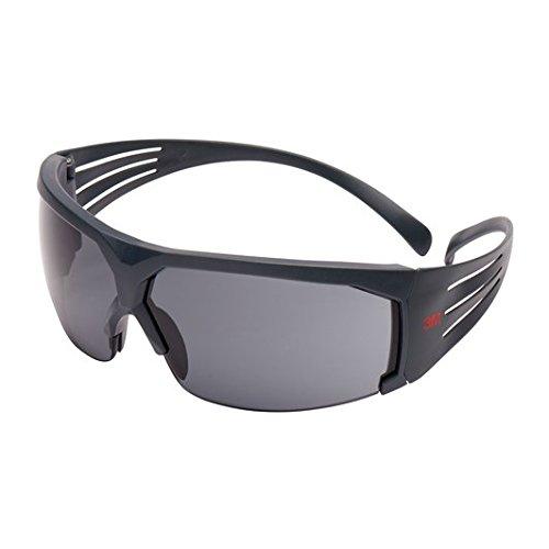 3M SecureFit Schutzbrille SF602SGAF, grau – Arbeitsschutzbrille mit Scotchgard Anti-Fog-Beschichtung – Grau getönte Gläser für maximalen UV- & Lichtschutz