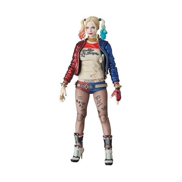 MAFEX Harley Quinn (reproducción) 3