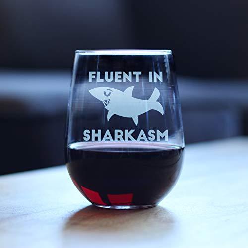 Vloeiend in Sharkasm Haai Stemless Wijnglas Geschenken voor Sarcastische moeder of papa grap Experts Grappige Bril met Zeggen voor Drinken