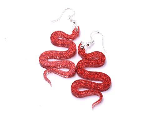 Preciosos pendientes de acrílico de serpiente en espiral, garantizado para hacer una impresión de color rojo brillante.