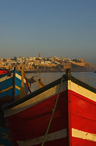 The Poster Corp Chris Parker/Design Pics – Fishing Boats In Front of Kasbah des Oudaias Photo Print (30,48 x 48,26 cm)