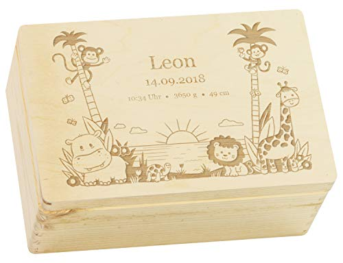LAUBLUST Holzkiste mit Gravur - Personalisiert mit GEBURTSDATEN - Naturbelassen, Größe M - Dschungel Motiv - Erinnerungskiste als Geschenk zur Geburt