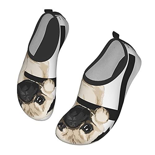 Nicokee Funny Pug Colgante en el Alfabeto con Eslogan Zapatos de Agua Cita Perro Pug Animales Animales Playa Aqua Yoga Calcetines para Hombres Mujeres, color, talla 43 EU
