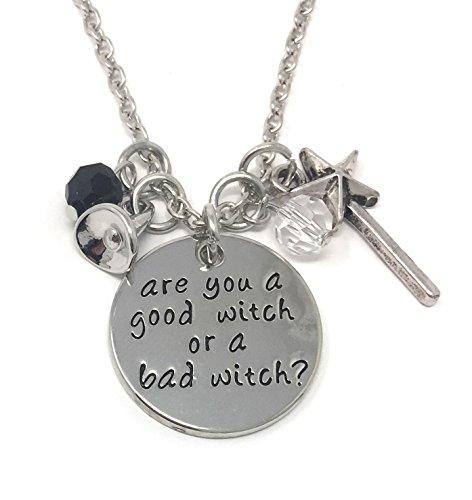Cadoline Zilver-Toon 'ben je een goede heks of een slechte heks' Gegraveerde Hanger Ketting 2.5cm Diamater met 18 Inch Chain Wicked Wizard of Oz