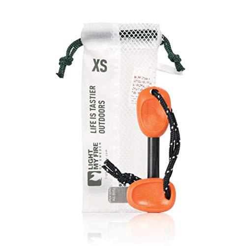 Light My Fire Fire - Fire Starter - Accendino Ecologico - Kit 12.000 Scintille - 2 in 1 Pietra Focaia Naturale con Fischietto di Emergenza - Ideale Fuoco Campeggio/Escursionismo/Sopravvivenza