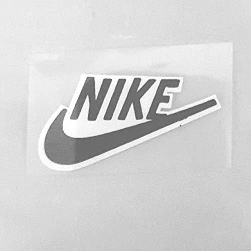 Nike - Toppa termoadesiva con logo Nike, per applicare il ferro da stiro, con etichetta nera e sfondo bianco, con logo Nike