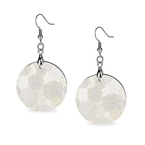 Boucles d'oreilles pendantes en bois, boucles d'oreilles pendantes rondes en bois, boucles d'oreilles pendantes pour femme - Argile et fleur blanche