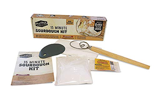 Il kit comprende: fermenti di pasta acida, sale artigianale, panno di mussola, raschietto per pasta, frusta per pasta 3 sacchetti fermenti di pasta acida per 3 kg di farina