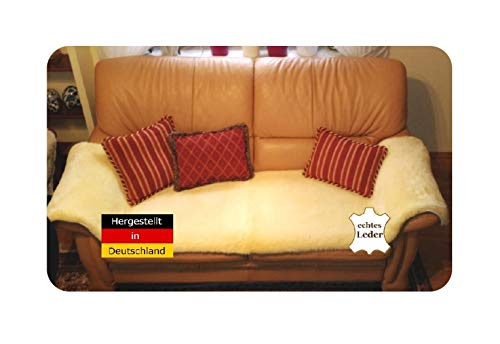 Lammfell Sesselauflage von LANABEST. 50 x 200 cm aus Deutschen Öko-Tex Schaffellen. Bequem, hautfreundlich, zart und schadstoffarm. Medizinische Gerbung 30° waschbar