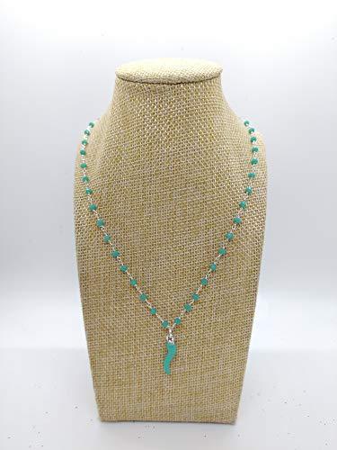 Collana girocollo stile rosario realizzata a mano colore verde acqua e ciondolo cornetto portafortuna colore verde acqua.