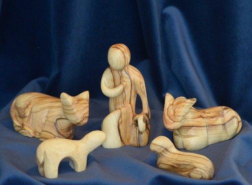 Figura Santa Krippenfiguren MODERNER Stil. 16 cm. Hirte mit Tieren - 5 teilig. Hirtenfigur mit 2 Schafen und Ochs und Esel. In Bethlehem handgeschnitzt aus Olivenholz.