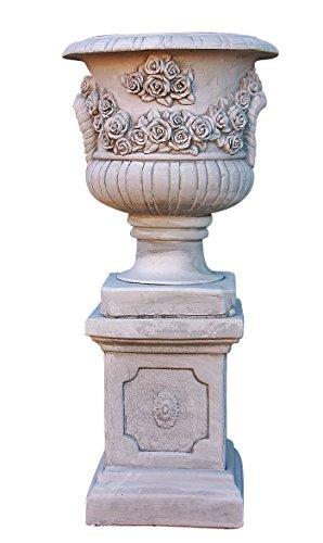 Rosen Amphore mit Sockel, Skulptur aus Steinguss