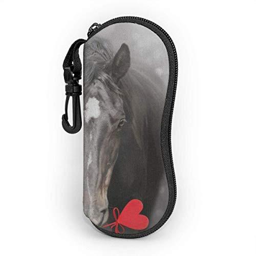 Funda de Gafas Día de San Valentín Caballo negro con corazón Ultra Ligero Neopreno Suaves viaje Estuche para Gafas de caso Bolsa con Clip de Cinturón