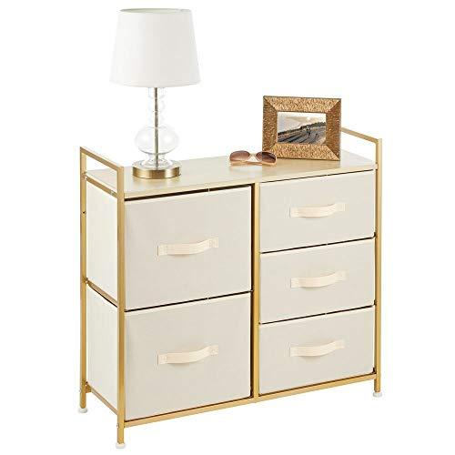 mDesign Cajonera de metal, tela y MDF con 5 cajones – Ancha cómoda para dormitorio, sala de estar o pasillo – Mueble organizador para ropa – color crema/dorado latón