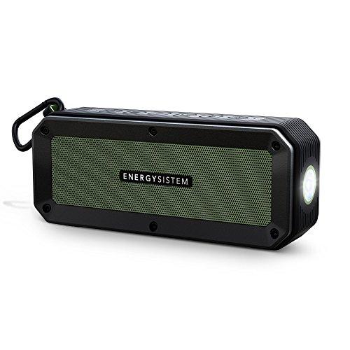 Energy Sistem Outdoor Box Adventure Altavoz Bluetooth (Bluetooth, Manos Libres, 10 W, microSD, Radio FM, Entrada de Audio, Resistente al Agua y Golpes, Linterna, mosquetón)- Verde
