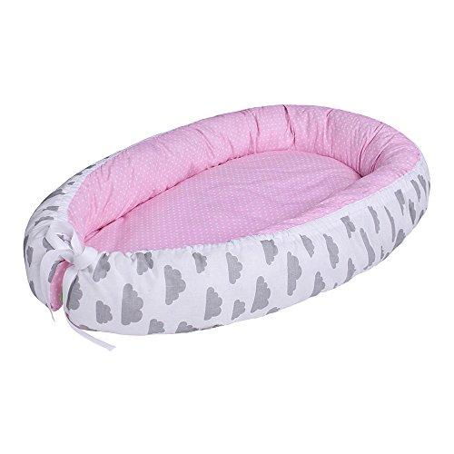 LULANDO Baby-Nest Bozzolo Riduttore Per Letto Culla Paracolpi Multifunzionale Nido Reversibile Colori Differenti Cresce Con Bambino 100% cotone, Oeko-Tex Standard 100. Colore: Grey Clouds/Dots Pink