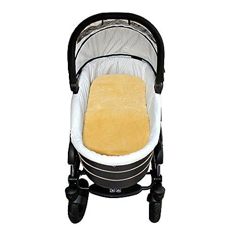 Baby-Lammfell für den Kinderwagen mit Gurtschlitzen