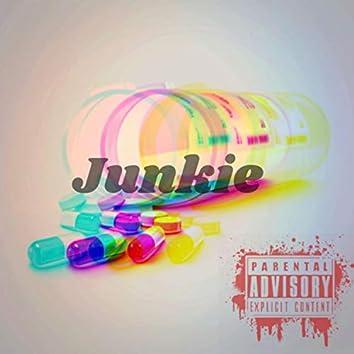 Junkie (feat. Floridamadeyg)
